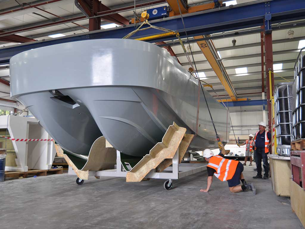First Production Atlas Workboat Lifting